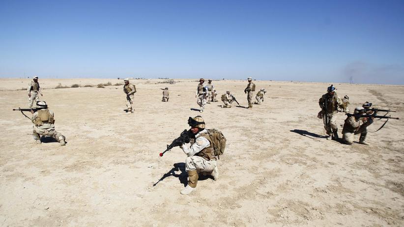 Irakische Soldaten beim Training mit US-Militärs