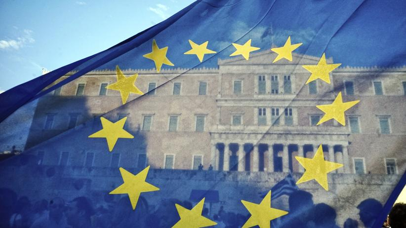 Europe: European flag in front of the Greek parliament in Athens
