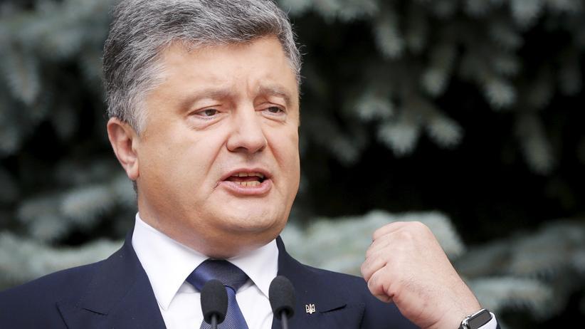 Ukraine: Der ukrainische Präsident Petro Poroschenko stellt seine Pläne für die Dezentralisierung in Kiew vor.