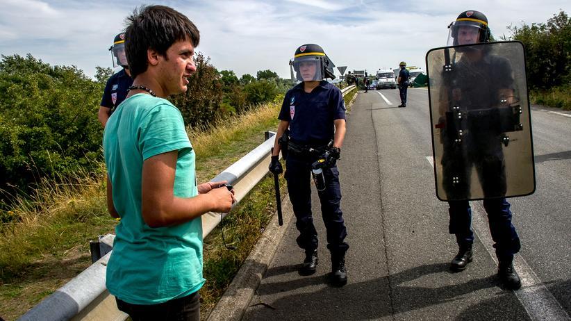 Eurotunnel Calais Flüchtlinge Großbritannien Frankreich