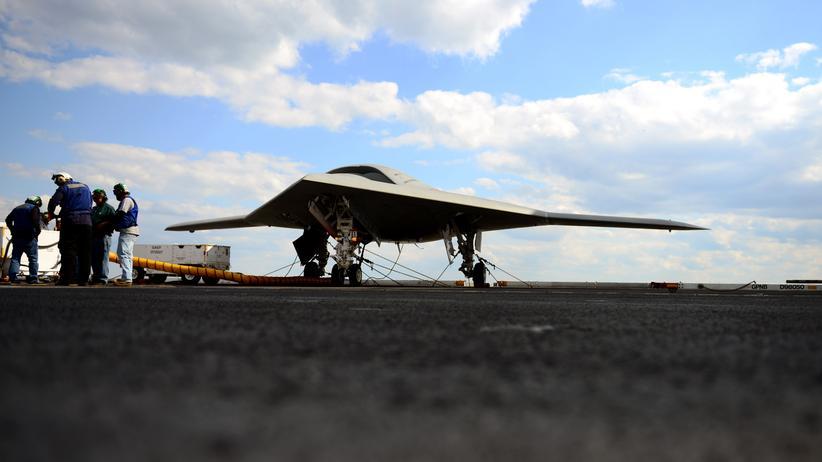 US-Militär: Eine US-Kampfdrohne vom Typ X-47B (Archivbild)