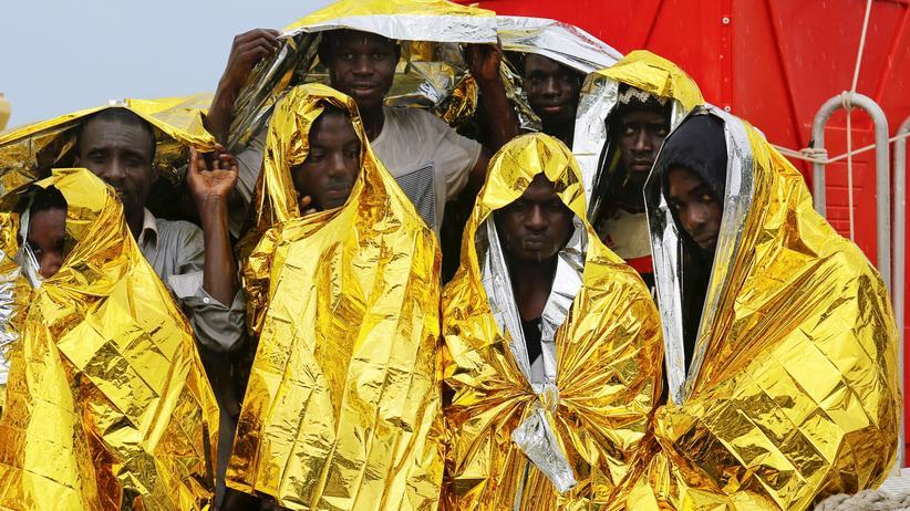 EU-Kommission: Flüchtlinge auf Sizilien, Italien