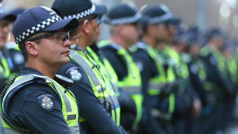 australien polizei sagt milit reinsatz gegen ausl nder ab. Black Bedroom Furniture Sets. Home Design Ideas