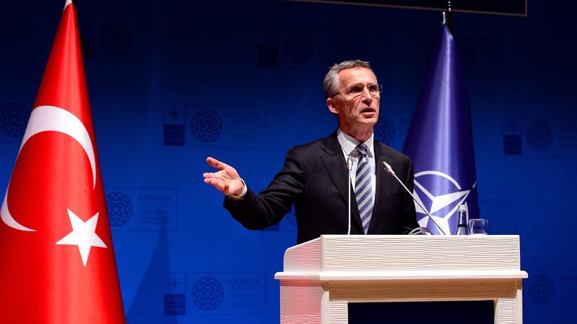 Türkei: Nato-Generalsekretär Jens Stoltenberg auf einem Treffen des Bündnisses in Antalya