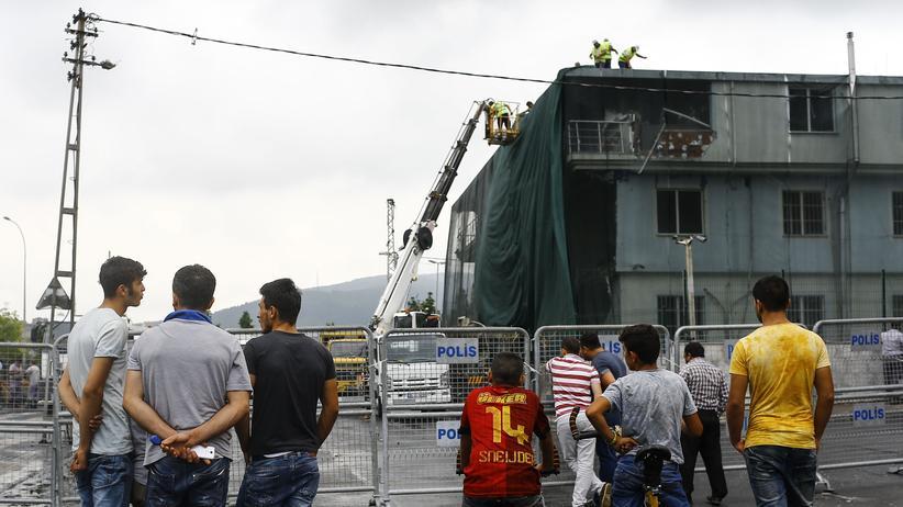 Istanbul: Die demolierte Polizeiwache im Stadtteil Sultanbeyli