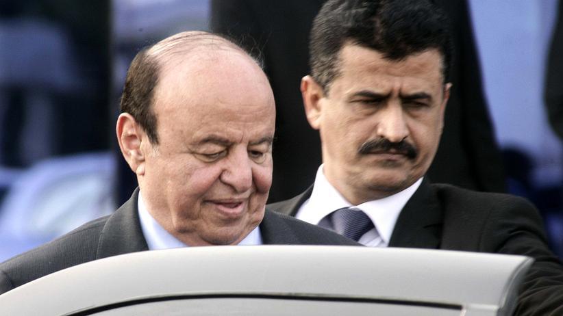 Abed Rabbo Mansur Hadi: Jemens Präsident kehrt aus dem Exil zurück