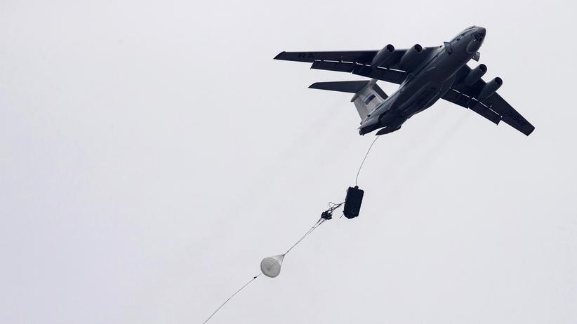 Bürgerkrieg: Ein russisches Transportflugzeug vom Typ IL-76 bei einer Übung in Serbien