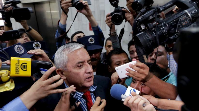 Guatemalas ehemaliger Präsident Otto Pérez muss in Untersuchungshaft.