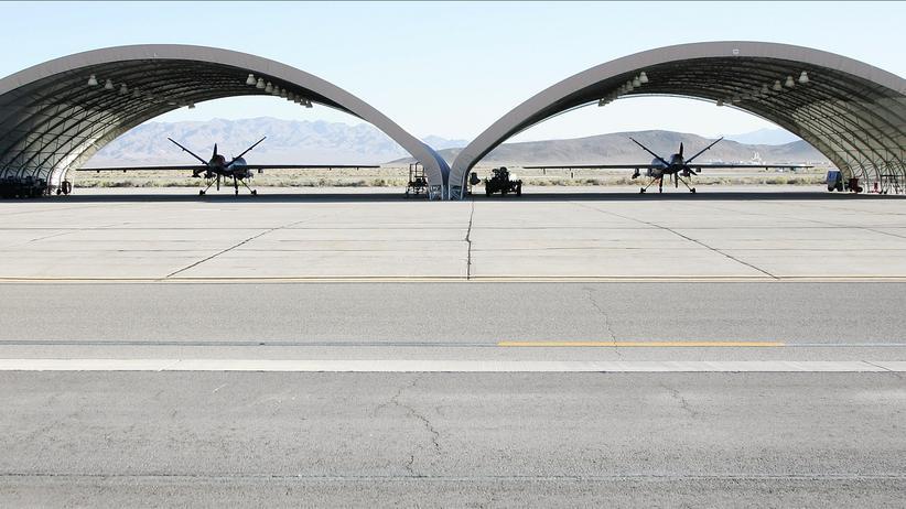 Drohnen: Zwei Drohnen vom Typ MQ-9 Reaper auf einer Luftwaffenbasis in Nevada