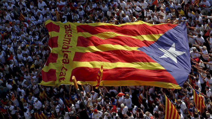 Katalonien-Wahl: Unabhängigkeitsbefürworter protestieren in Barcelona für die Loslösung von Spanien.