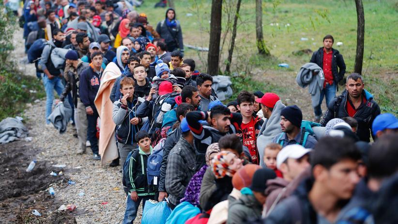 Balkanroute: Am vergangenen Wochenende überqueren Menschen zu Fuß die Grenze von Kroatien nach Ungarn.
