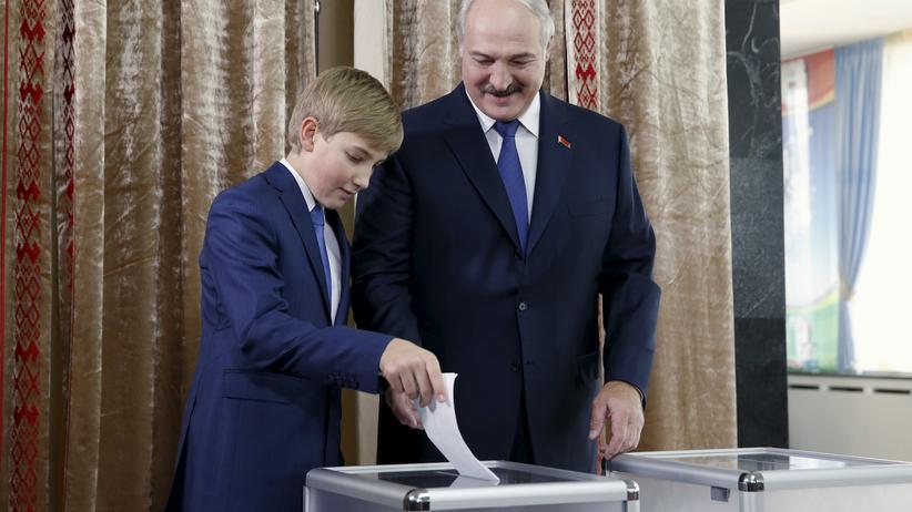 Belarus: Lukaschenko sichert sich fünfte Amtszeit