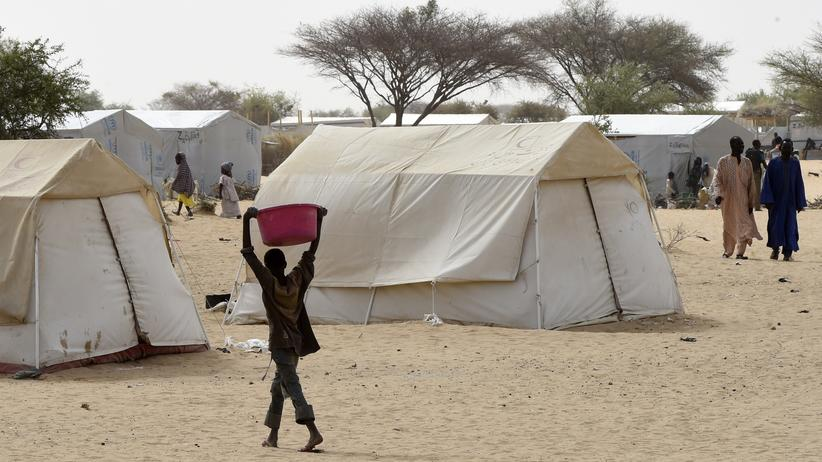 Boko Haram: Das Flüchtlingslager von Baga Sola im April 2015, vor den Anschlägen