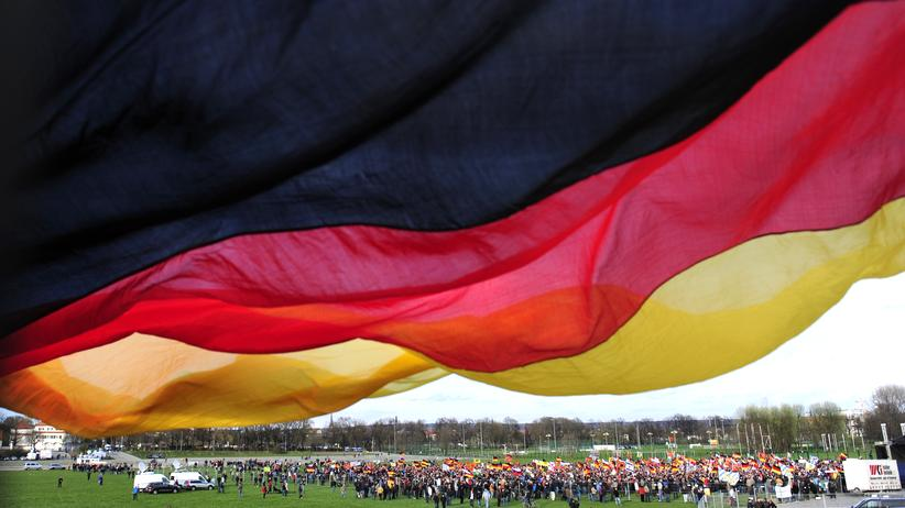 Rassismus: Pegida-Sympathisanten in Dresden