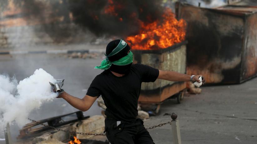 Nahostkonflikt: Ein Palästinenser in der Nähe der Stadt Ramallah