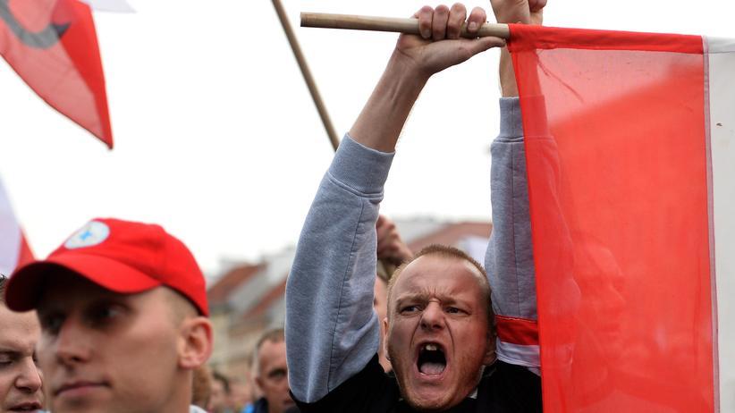 Flüchtlingspolitik: Rechte bei einer Demonstration gegen muslimische Flüchtlinge in Warschau