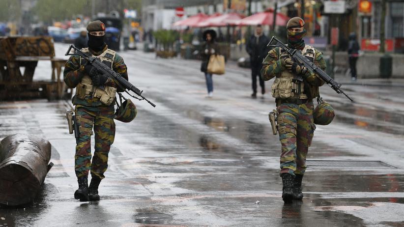Terror in Europa: Belgische Soldaten und Polizisten patrouillieren im Stadtzentrum von Brüssel.