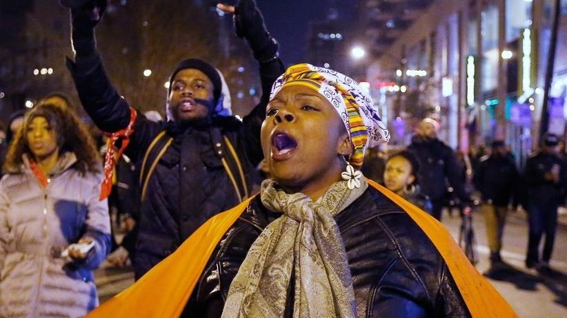 USA: Bürger demonstrieren in Chicago gegen Polizeigewalt.