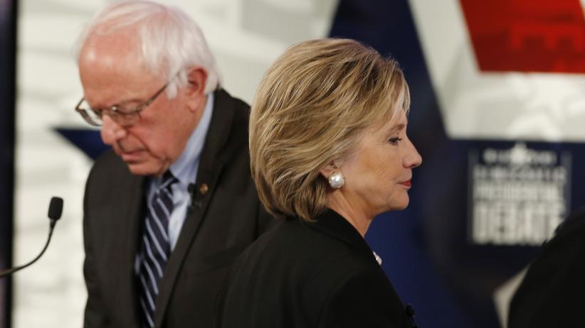 Die ehemalige Außenministerin Hillary Clinton und ihr gefährlichster Konkurrent Bernie Sanders.