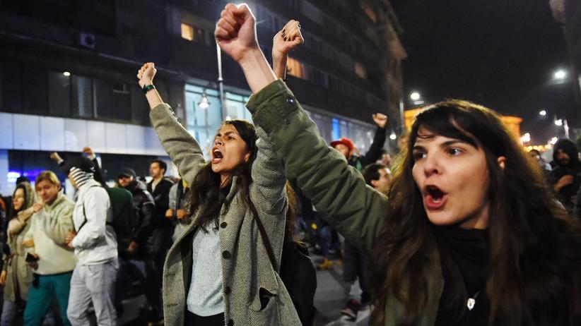 Rumänien: Tausende fordern Rücktritt von Regierungschef
