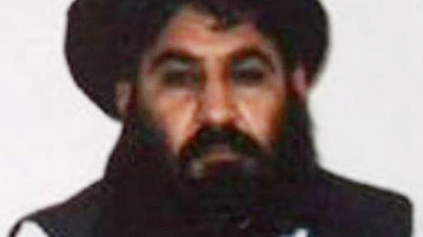 Afghanistan: Undatiertes Foto von Mullah Muhammad Akhtar Mansur, das die Taiban nach seiner Ernennung zum neuen Anführer im Sommer 2015 veröffentlichten