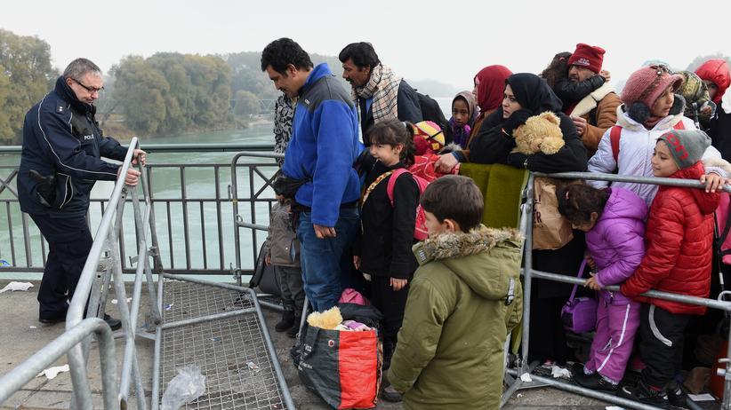 Flüchtlinge: Flüchtlinge an der Grenze zwischen Österreich und Deutschland (Archivbild)