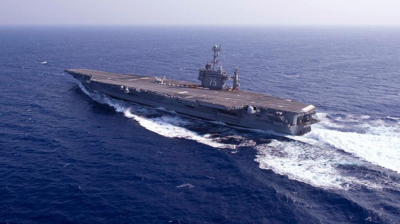 Persischer Golf: Iran testet Raketen in der Nähe von US-Flugzeugträger