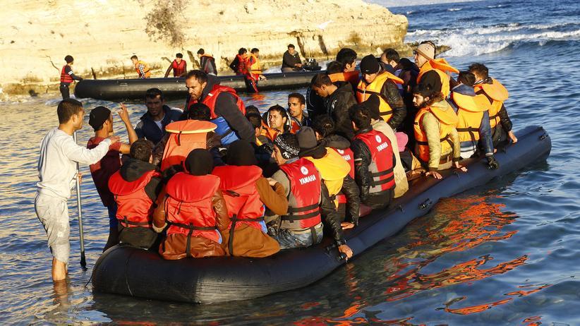 Flüchtlinge: Griechenland wirft der Türkei vor, Flüchtlinge ungehindert weiterreisen zu lassen – wie hier in der türkischen Küstenstadt Çeşme.