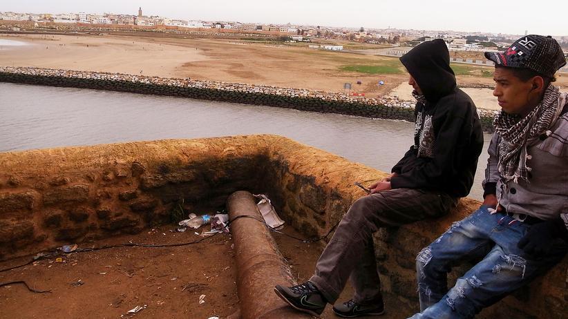Maghreb: Teenager im marokkanischen Rabat