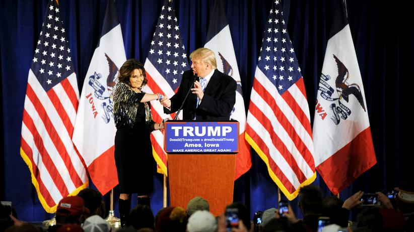 US-Wahlkampf: Die Tea-Party-Ikone Sarah Palin und Donald Trump in Iowa
