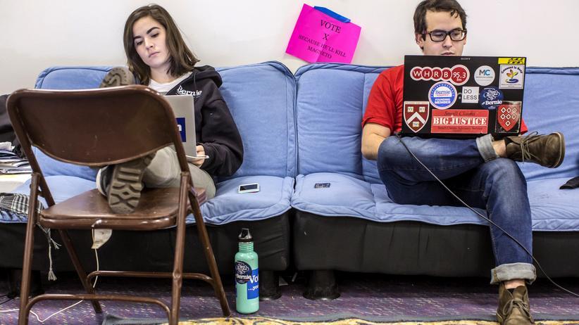 Zwei Mitarbeiter aus Bernie Saners Wahlkampfteam