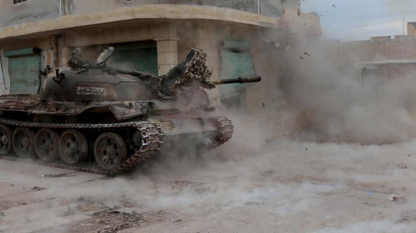 Kämpfer der syrischen Opposition in einem Dorf nahe Aleppo