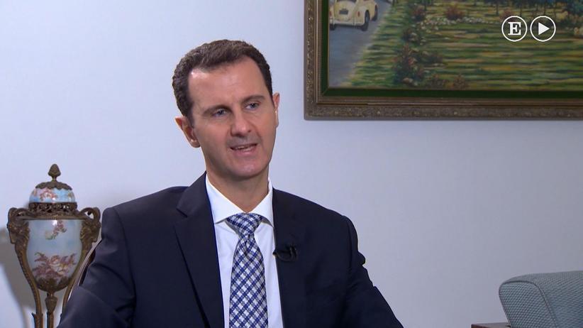 """Der syrische Präsident Baschar al-Assad bei einem Interview mit der spanischen Zeitung """"El País"""" in Damaskus"""