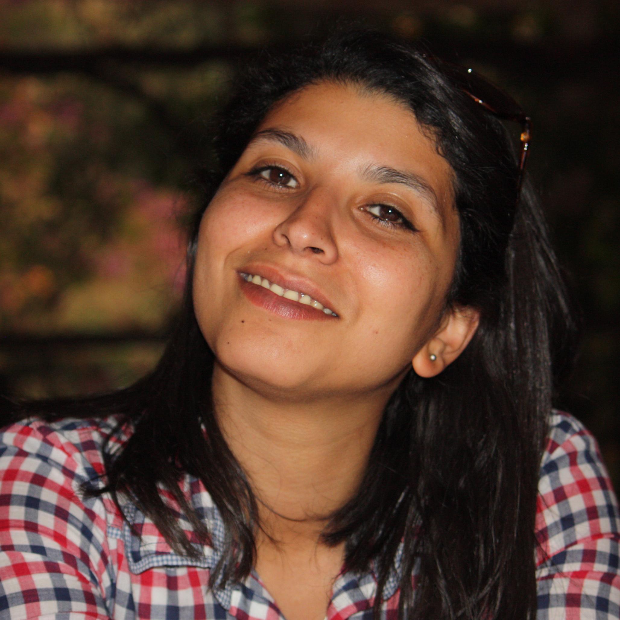 """Karima Nadir, 29, ist eine Journalistin aus Casablanca, Marokko. Sie ist eine der Gründerinnern von """"Mamfaknich"""", einer Website von Bürgerjournalisten, die zu Fragen digitaler Sicherheit arbeiten."""
