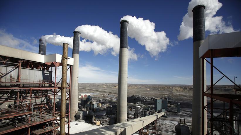 USA: Aus einem Kohlekraftwerk in Point of the Rocks im US-Bundesstaat Wyoming steigt Rauch auf.