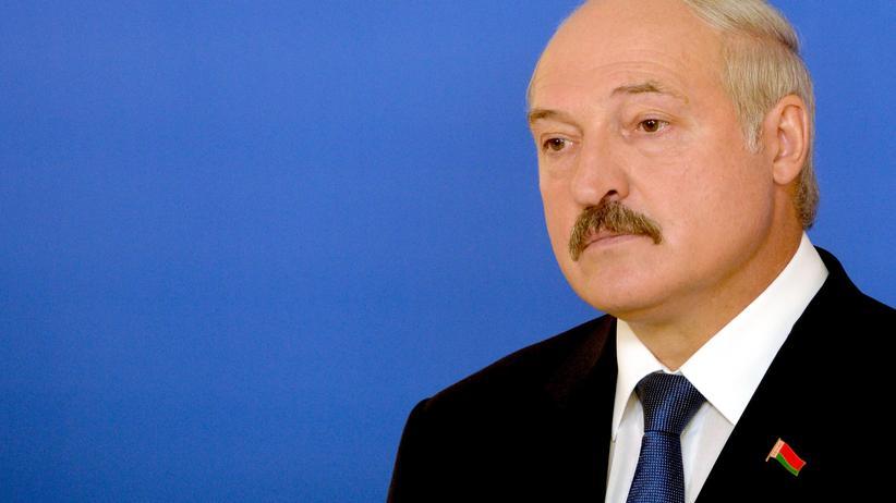 Weißrusslands Präsident Lukaschenko am Tag seiner Wiederwahl im Oktober 2015 in Minsk
