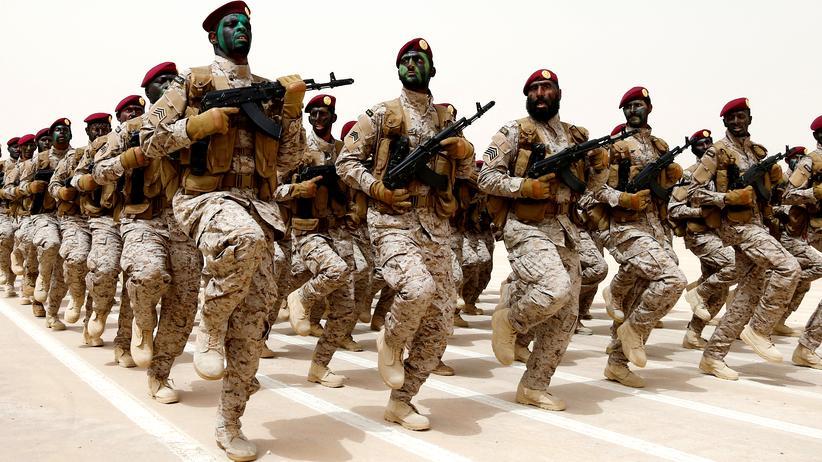 Saudische Soldaten bei einer Militärübung
