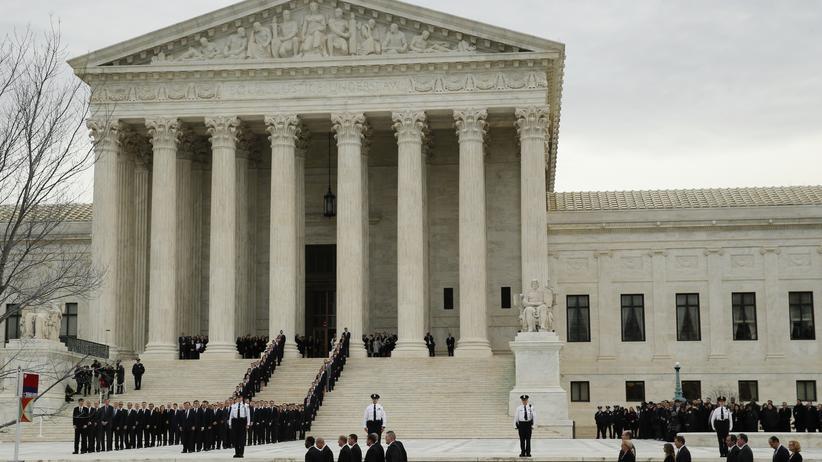 Barack Obama: Der Oberste Gerichtshof der USA am 19. Februar 2016, dem Tag der Bestattung des verstorbenen Verfassungsrichters Antonin Scalia