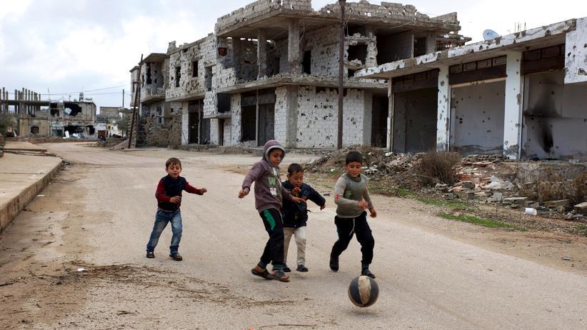 Syrien: Spielende Kinder im Süden von Syrien