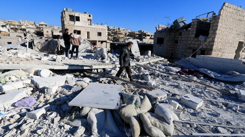 Syrien: Die syrische Stadt Turmanin nach einem russischen Luftangriff