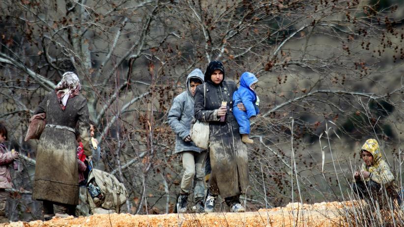 Aleppo: Flüchtlinge im Grenzgebiet zwischen Türkei und Syrien