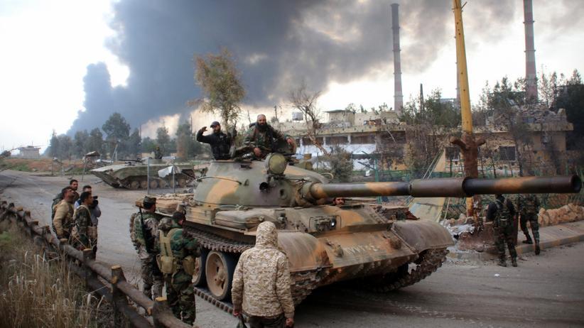 Syrische Regierungstruppen während einer Patrouille