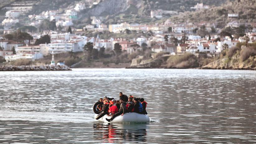 Flüchtlinge: Flüchtlinge vor der griechischen Insel Lesbos