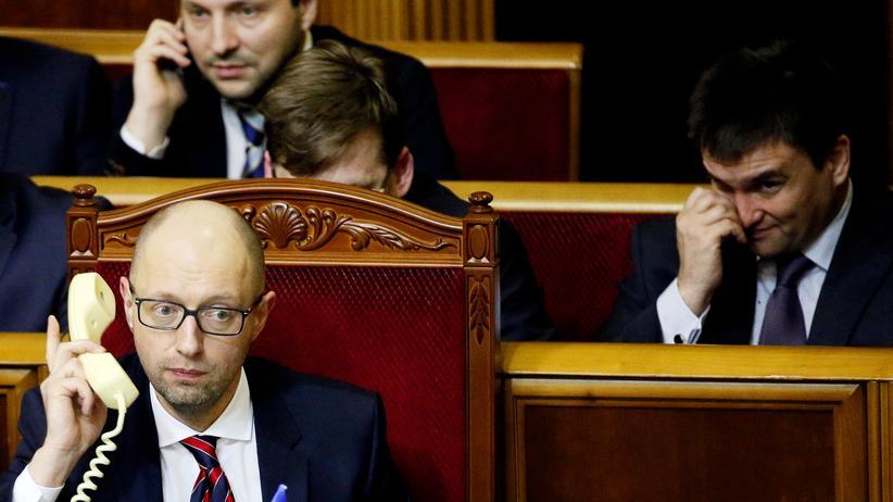 Ukraine Regierungschef Jazenjuk übersteht Misstrauensvotum