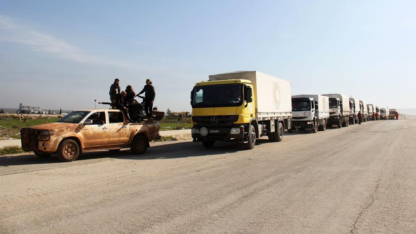Bürgerkrieg: Lastwagen mit Hilfsgütern in der syrischen Provinz Idlib