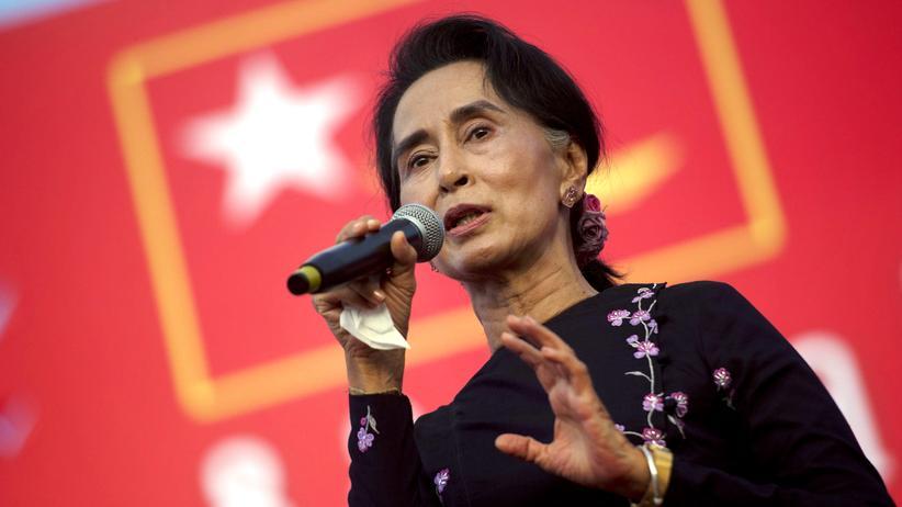 Aung San Suu Kyi: Ministeramt ja, Präsidentschaft nein: Friedensnobelpreisträgerin Aung San Suu Kyi