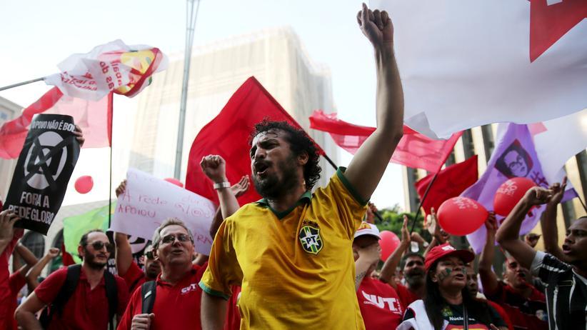 Brasilien: Rousseff-Anhänger auf einer Demonstration in Sao Paulo