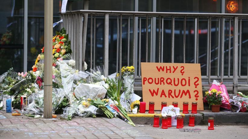 Brüssel-Attentate: Blumen zum Gedenken an die Anschläge in Maelbeek.