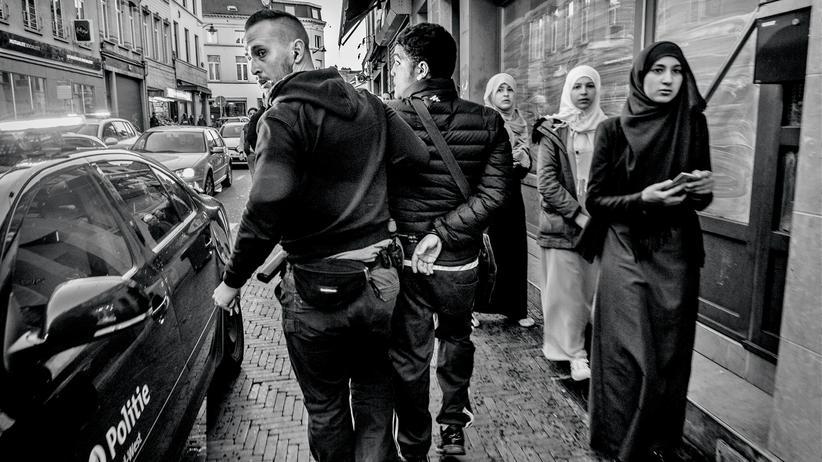 Brüssel: Festnahme am 27. März. Zahlreiche Wohnungen wurden seit den Attentaten durchsucht.