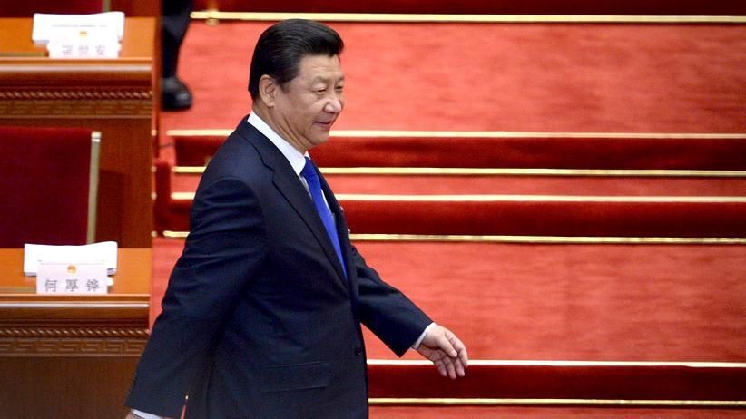 China: Chinas Präsident Xi Jinping bei der Eröffnung der jährlichen Versammlung des Nationalen Volkskongresses im vergangenen Jahr. Dem Parlament gehört eine Reihe von Superreichen an, andere ziehen eher im Hintergrund Fäden.
